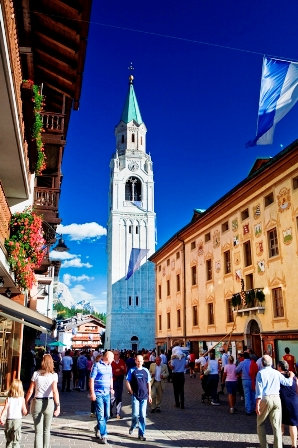 Cortina: al via la lunga estate ampezzana con oltre 200 eventi e 7 mostre