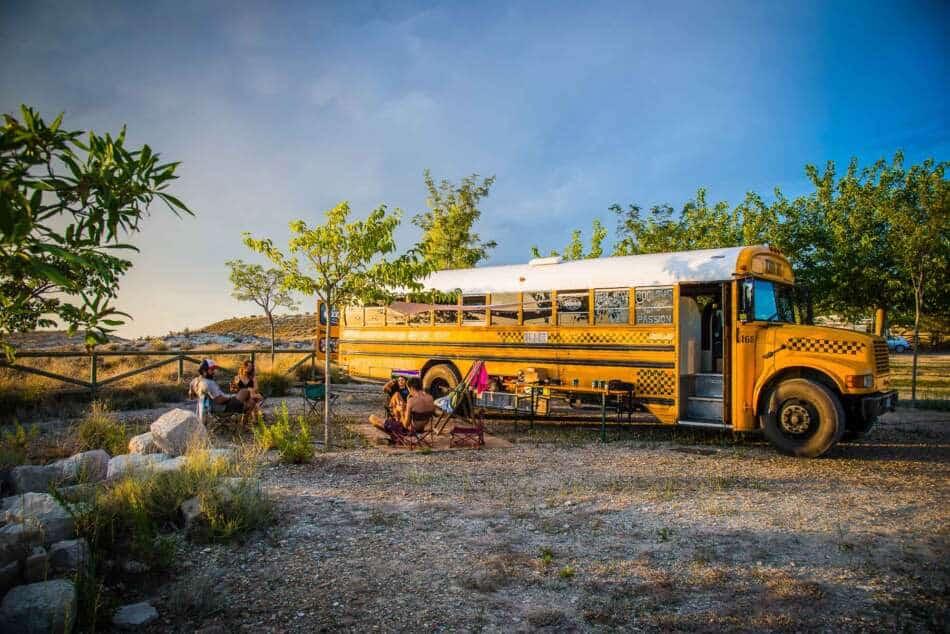 In Chianti si dorme in un School Bus americano