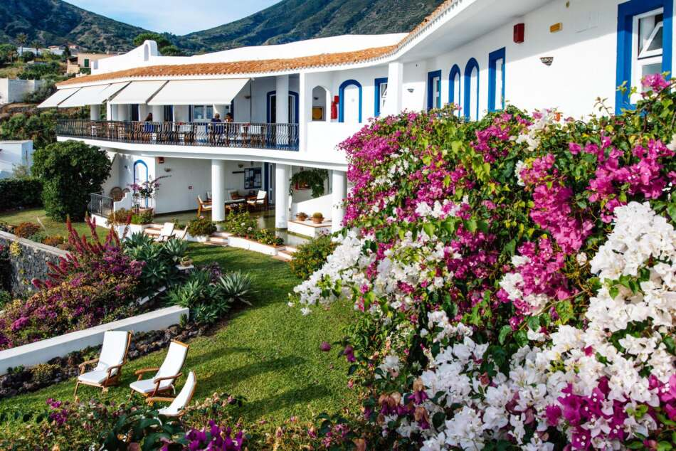 Hotel Punta Scario a Salina, accoglie i clienti a partire dal 28 maggio
