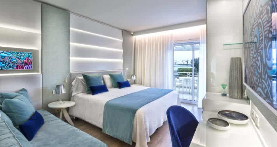 L'Atlantic Hotel di Riccione, si prepara ad aprire dopo un'importante restyling